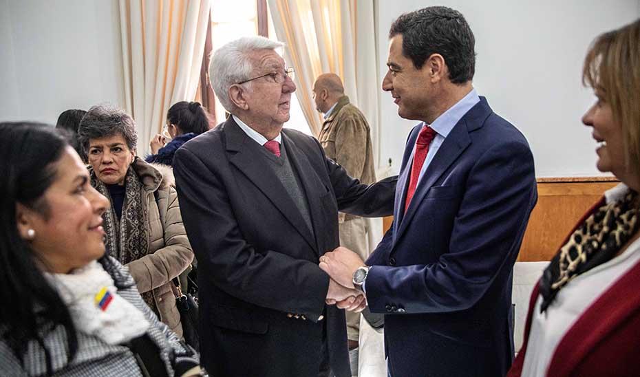 Juanma Moreno y Fernando Gerbasi durante su encuentro en el Palacio de San Telmo.