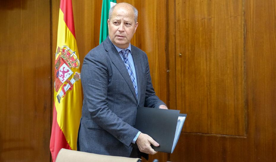 Javier Imbroda comparece en comisión parlamentaria.