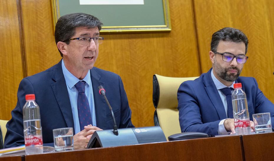 Juan Marín comparece en comisión en el Parlamento.