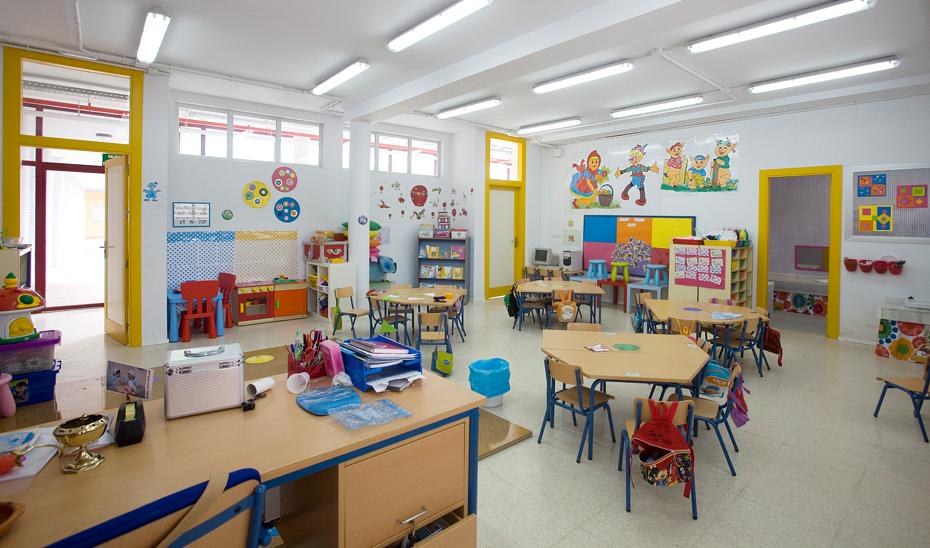 La Junta destina 4,2 millones a mobiliario escolar para los dos ...