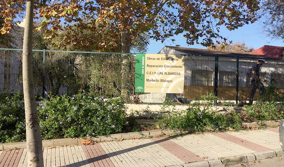 Obras de reparación del cerramiento de un colegio en Marbella.