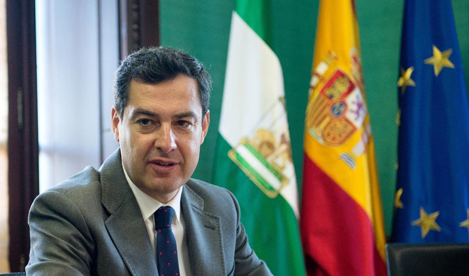 Juanma Moreno solicita a Pedro Sánchez una reunión para tratar asuntos que afectan a Andalucía.