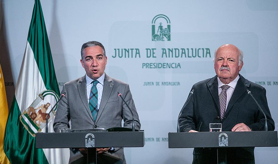 Elías Bendodo y Jesús Aguirre en la rueda de prensa posterior al Consejo de Gobierno