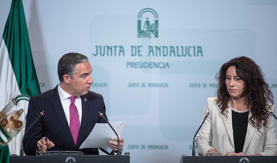 Intervención de los consejeros Elías Bendodo y Rocío Ruiz tras la reunión del Consejo de Gobierno