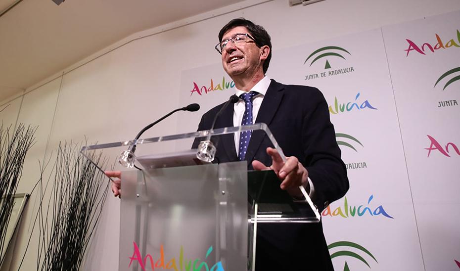 El vicepresidente de la Junta y consejero de Turismo, Regeneración, Justicia y Administración Local, Juan Marín, en la presentación de la ITB de Berlín.
