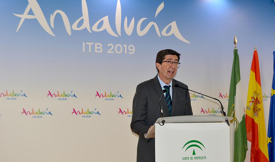 El vicepresidente y consejero de Turismo, Juan Marín, en la ITB de Berlín