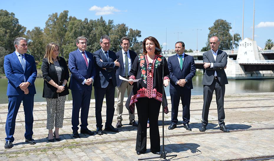 Carmen Crespo valora el desbloqueo del proyecto Sevilla Park en las instalaciones del Puerto