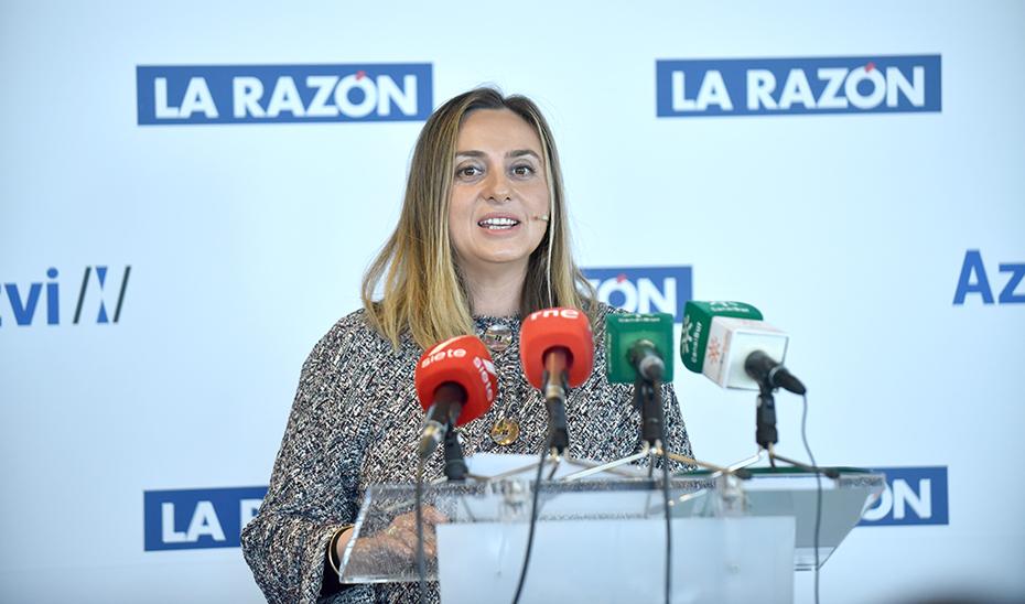 La consejera de Fomento, Infraestructuras y Ordenación del Territorio, Marifrán Carazo, en el desayuno informativo de La Razón.