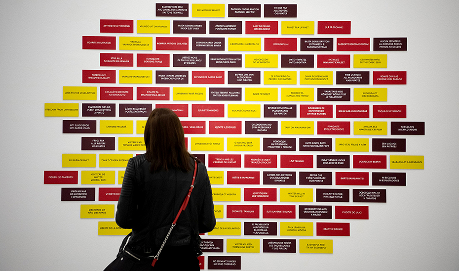 La instalación \u0027Six signs\u0027 de la artista Ruth Ewan, en la exposición \u0027Nosotras, de nuevo\u0027.