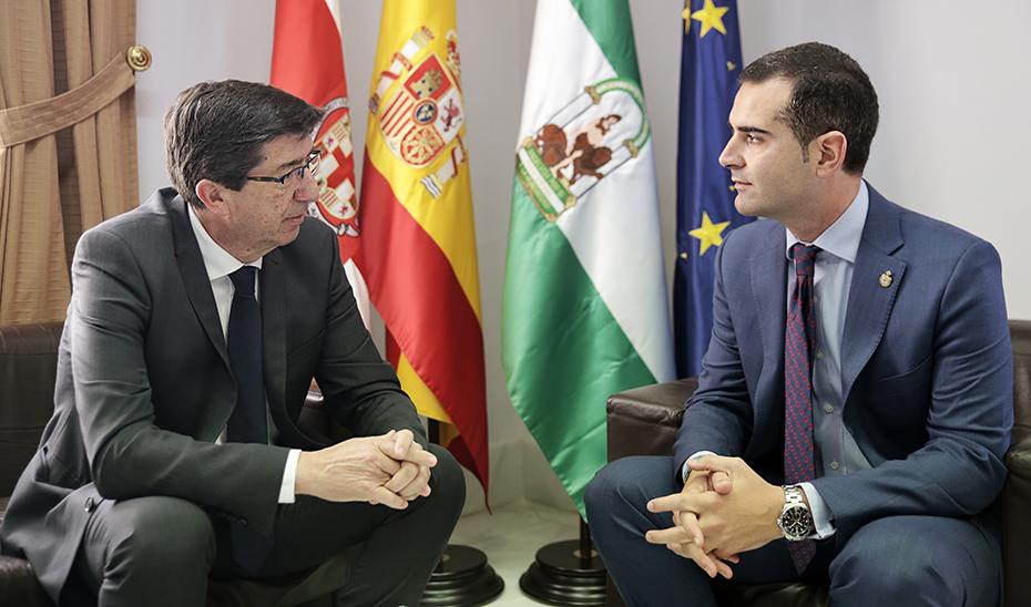 El vicepresidente de la Junta, Juan Marín, con el alcalde de Almería, Ramón Fernández-Pacheco.
