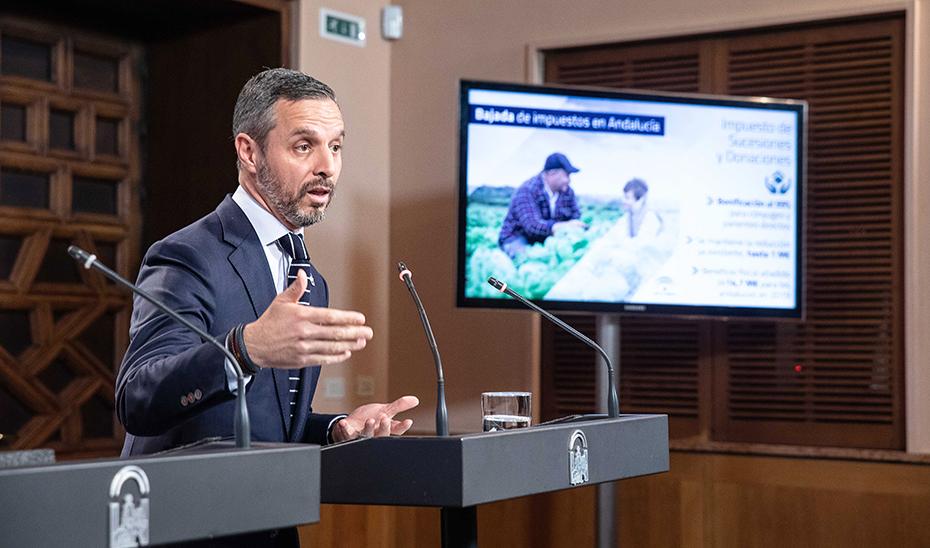 Juan Bravo informa sobre el Decreto Ley de bajada de impuestos en Andalucía