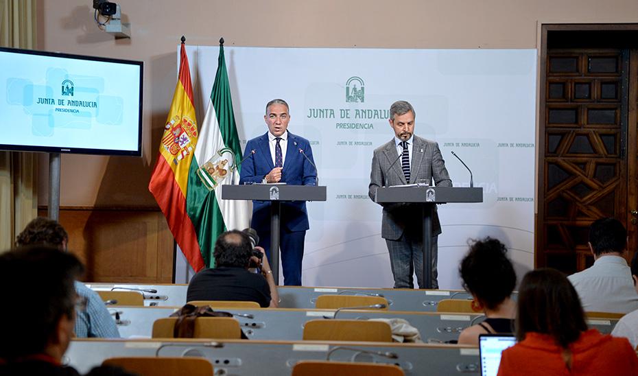 Elías Bendodo y Juan Bravo comparecen tras la reunión del Consejo de Gobierno (vídeo íntegro)