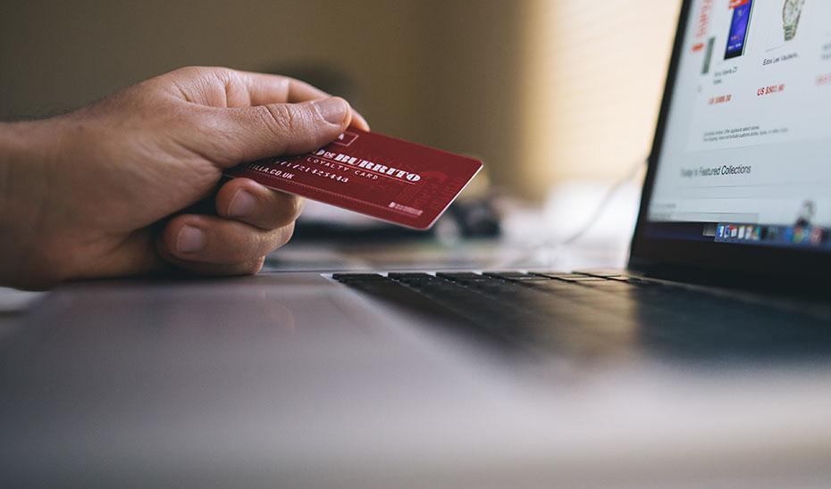 Consumo informa del riesgo de participar en apuestas \u0027online\u0027.