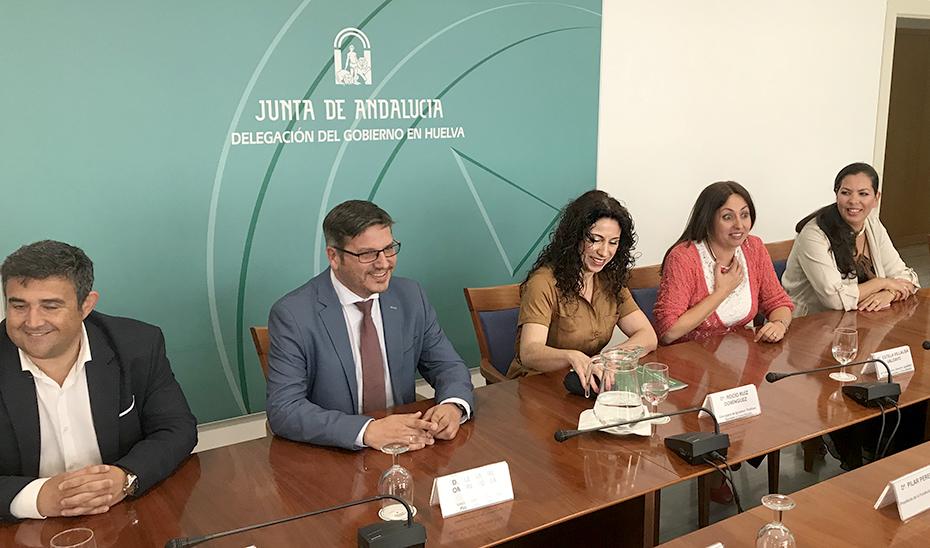 La consejera Rocío Ruiz durante el encuentro con la Fundación Laberinto.