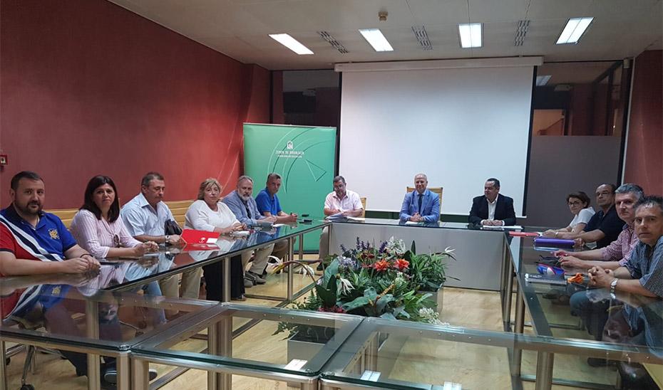 El consejero de Educación y Deporte, Javier Imbroda, presidiendo este viernes la reunión con los sindicatos.