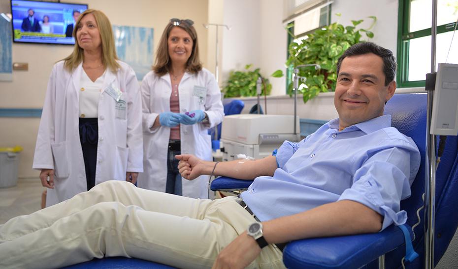 Llamamiento del presidente de la Junta de Andalucía a donar sangre