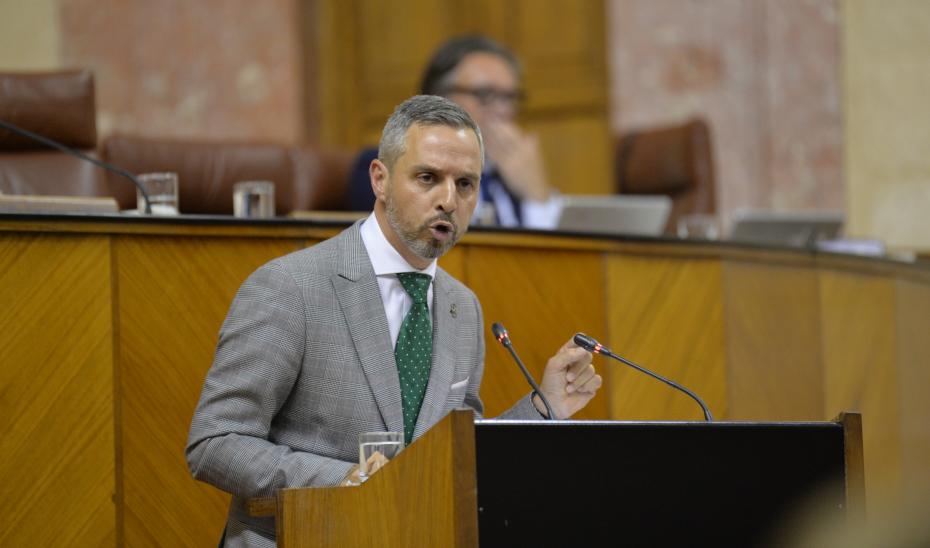 El consejero de Hacienda, Juan Bravo, interviene en el pleno del Parlamento de Andalucía sobre los presupuestos para 2019.