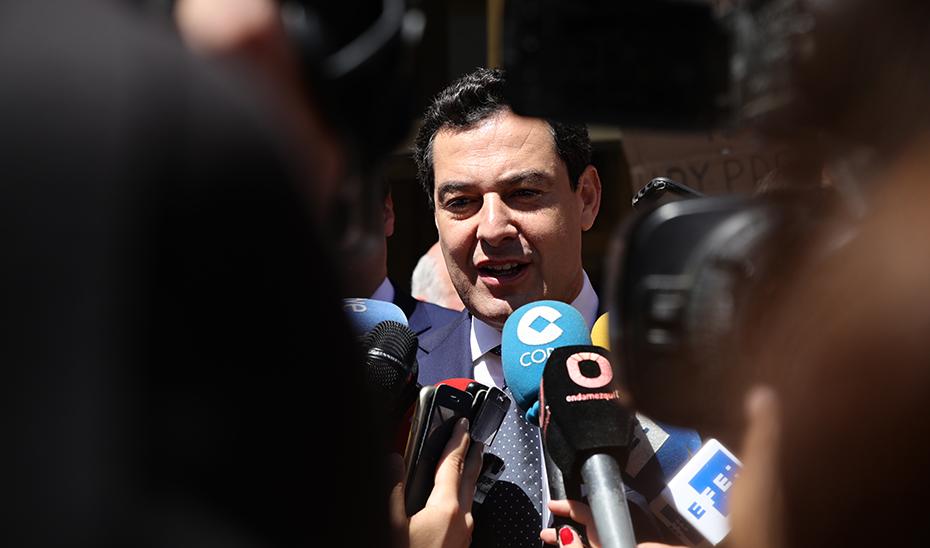 Moreno garantiza la máxima colaboración institucional con todos los ayuntamientos andaluces
