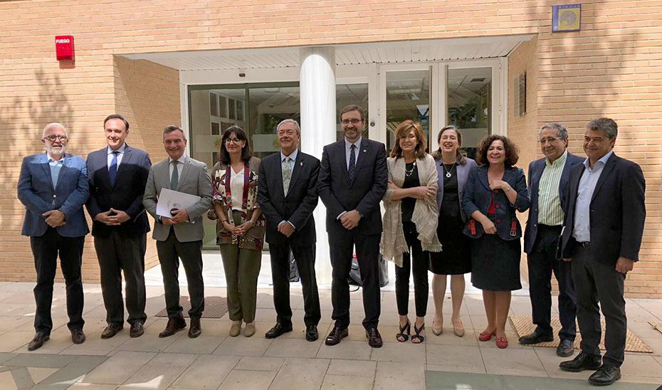 Velasco se reunió con los rectores de las universidades públicas andaluzas.