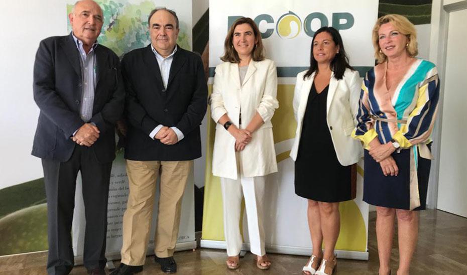 Blanco visitó en Antequera la sede social de DCOOP.