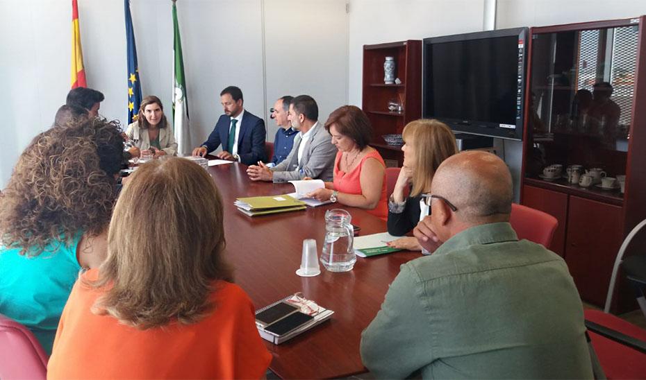 Un momento de la reunión en la Delegación Territorial de Sevilla.