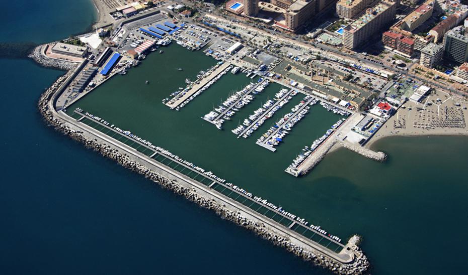 Vista aérea del puerto de Fuengirola, en Málaga.