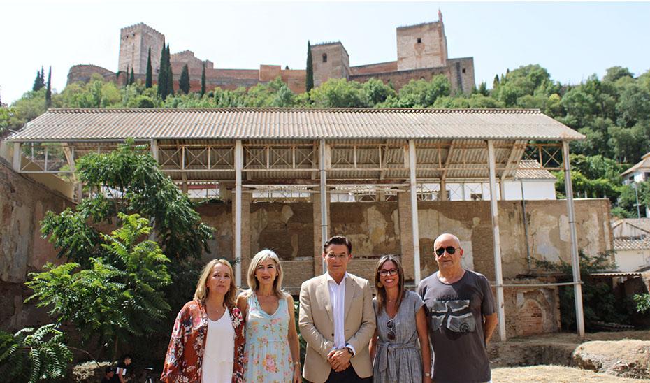Un momento de la visita de Del Pozo al Maristán de Granada.