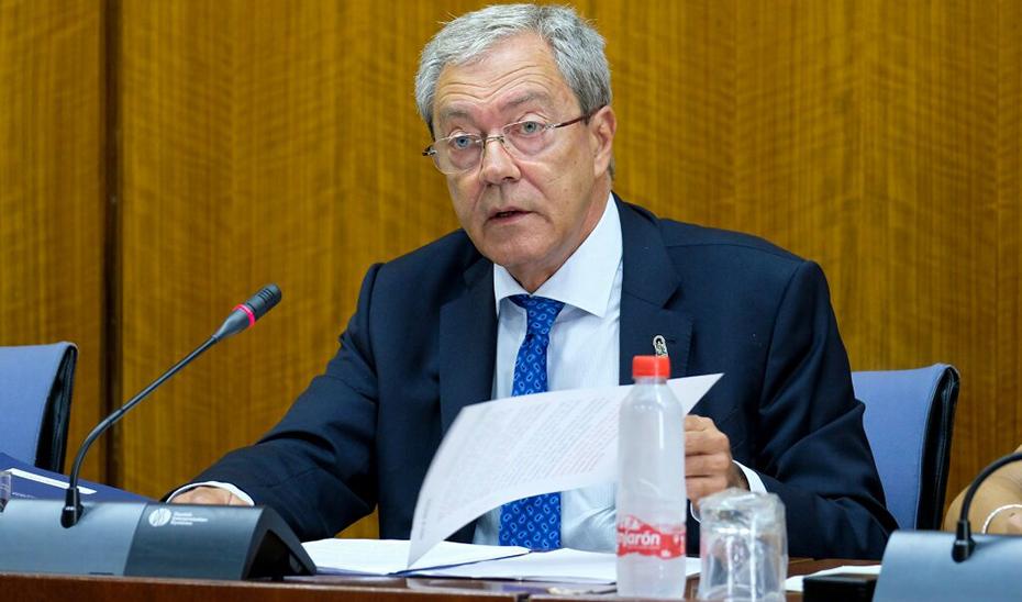 Rogelio Velasco, en la comisión parlamentaria de Economía, Conocimiento, Empresas y Universidad.