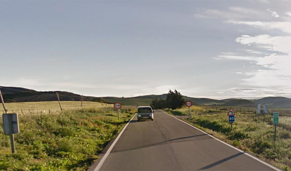 La estrechez de la vía, uno de los peligros de la carretera que une Paterna y Medina Sidonia.