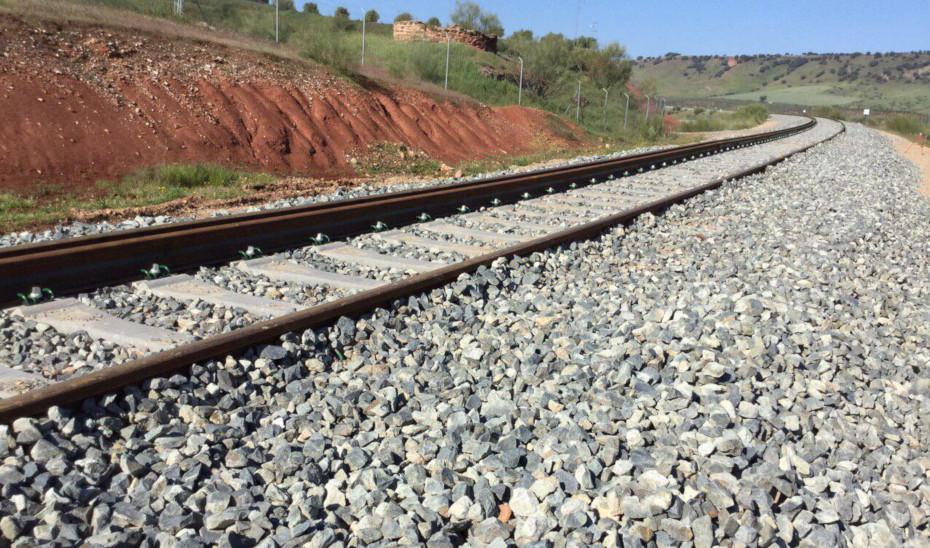 Ramal ferroviario Vadollano-Linares, cuyas obras de conexión con la línea Madrid-Cádiz han sido adjudicadas.