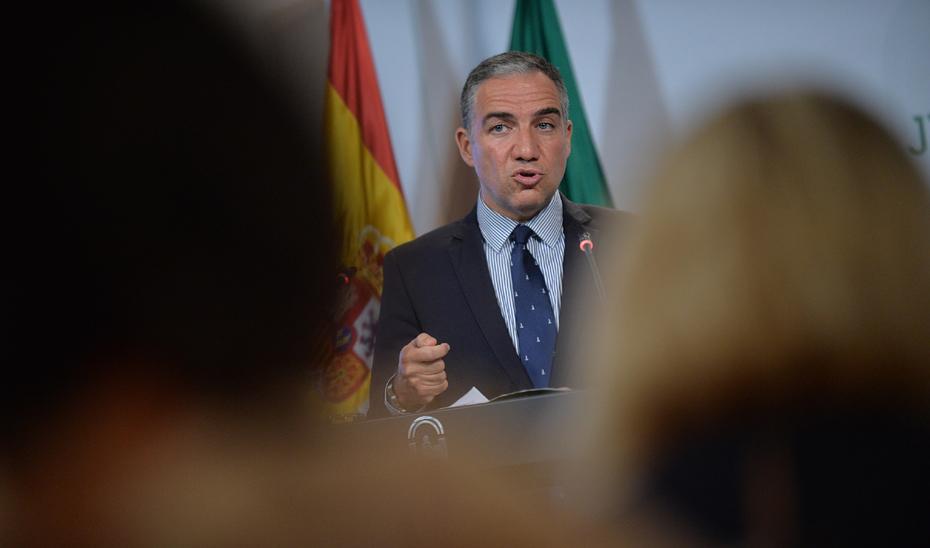 El portavoz del Gobierno anuncia una inversión de 17,54 millones en los puertos de Andalucía