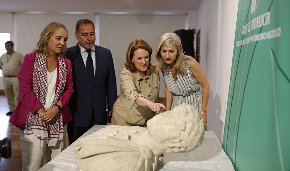El Arqueológico de Sevilla custodia y restaurará el busto romano de Adriano recuperado en Écija