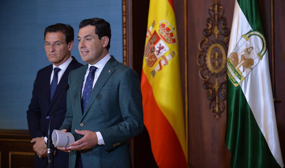 Intervención del presidente de la Junta, Juanma Moreno, tras recibir al alcalde de Granada, Luis Salvador