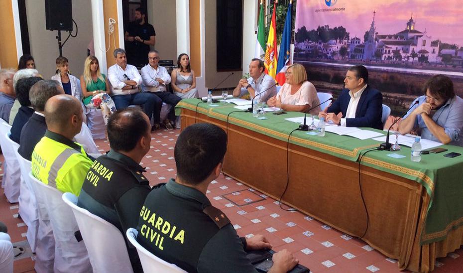 La reunión del Comité Asesor, presidida por el viceconsejero de Presidencia, Administración Pública e Interior, Antonio Sanz.