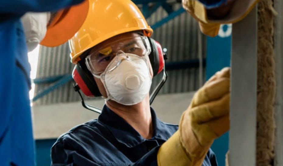 Al cierre de noviembre, el número de trabajadores afiliados en la industria crece un 3,5% en Andalucía, más del doble de la media nacional (1,6%).