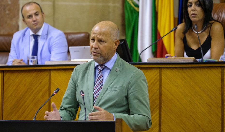 Javier Imbroda este miércoles en su comparecencia ante el pleno del Parlamento para informar de las novedades del curso escolar.