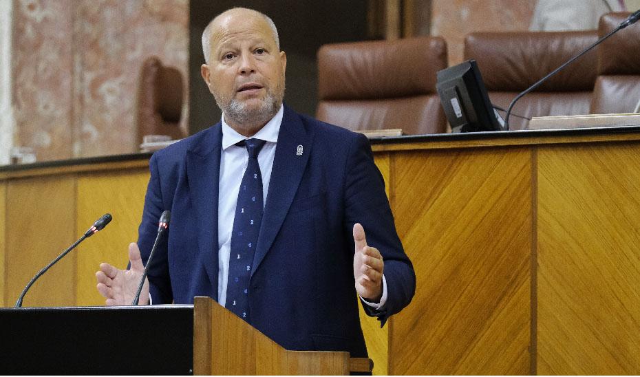 El consejero Javier Imbroda durante su comparecencia en el Parlamento de Andalucía.