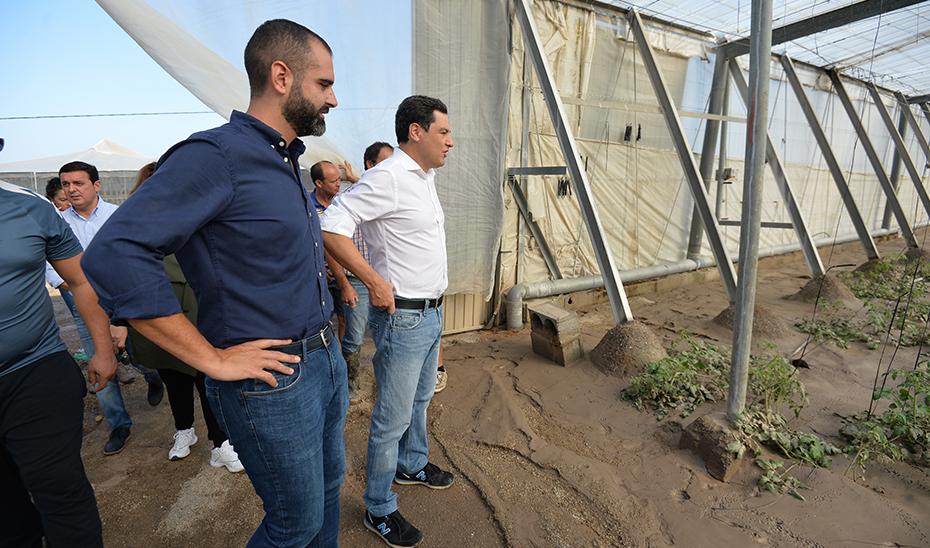 Juanma Moreno anuncia tres líneas de ayuda para los afectados por la gota fría