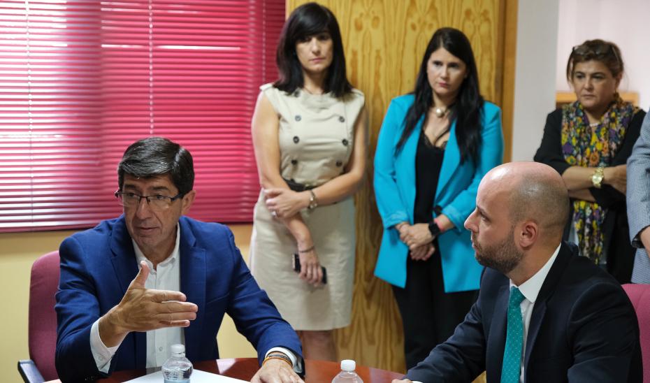 Marín anuncia que las primeras ayudas para paliar los efectos de la gota fría llegarán esta semana