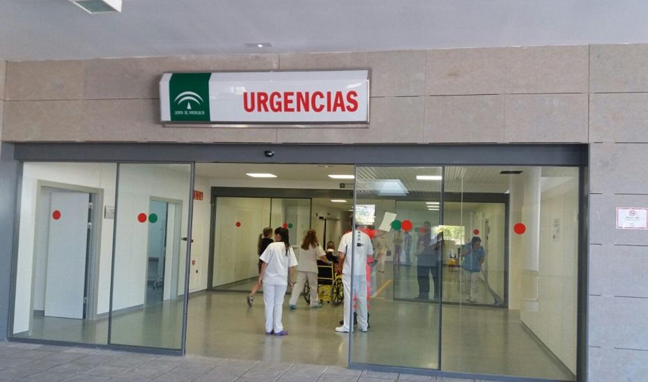 Entrada de Urgencias del Hospital de La Línea.