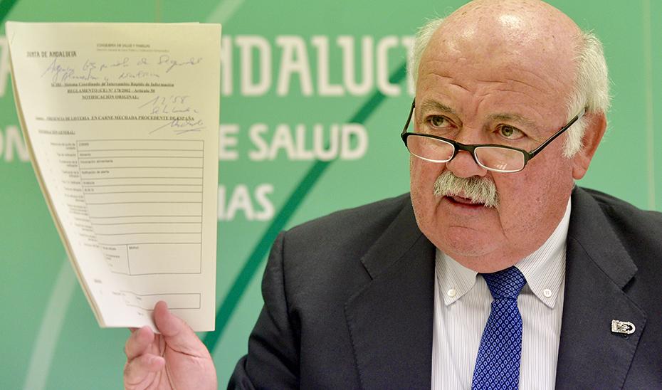 El consejero de Salud y Familias, Jesús Aguirre, durante su comparecencia ante los medios.