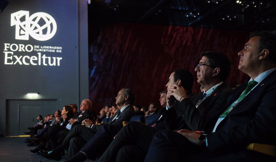 El vicepresidente y consejero de Turismo, Juan Marín, en la clausura del Foro Exceltur, en Madrid.