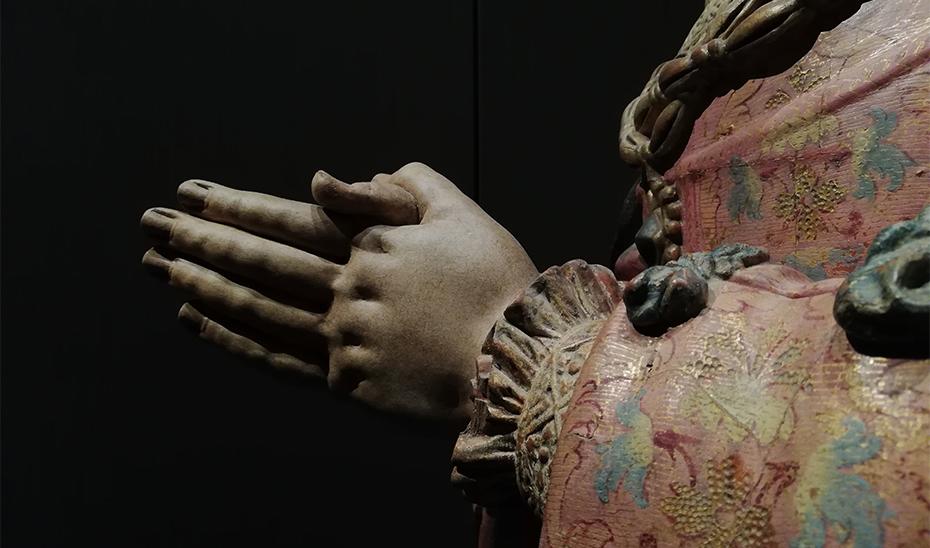 Detalle de la escultura de Dña. María Alonso Coronel, del Monasterio de San Isidoro del Campo.