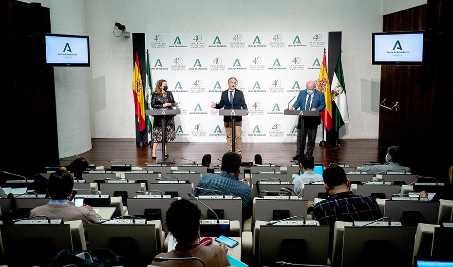 Comparecencia informativa de Bendodo, Crespo y Aguirre tras el Consejo de Gobierno (vídeo íntegro)