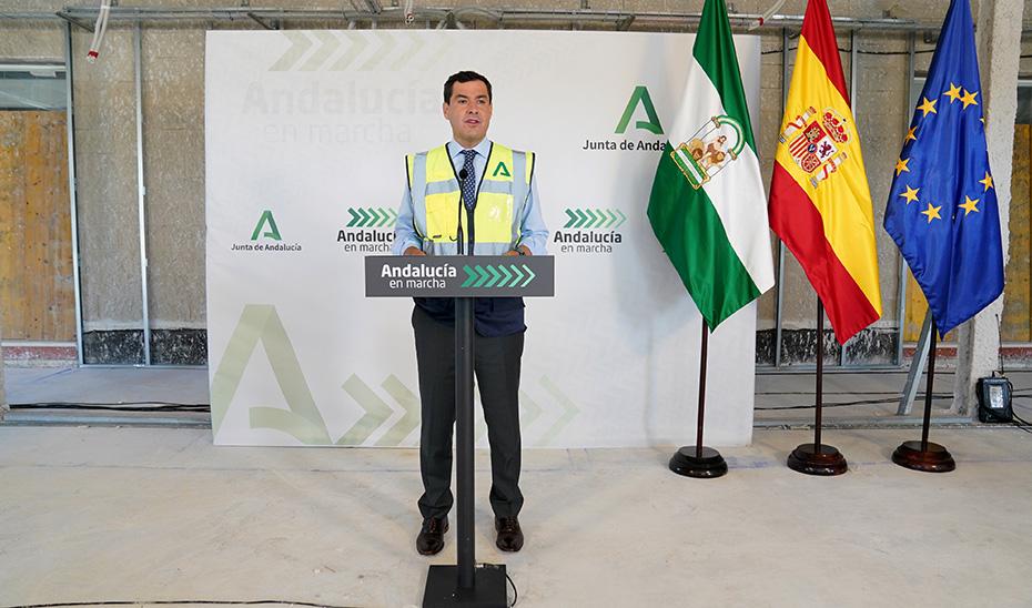 Intervención de Juanma Moreno tras visitar las obras del Hospital juan Ramón Jiménez de Huelva