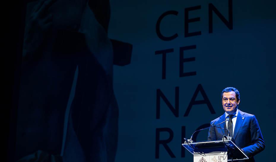 Intervención de Juanma Moreno en la presentación del centenario de la Agrupación de Cofradías de la Semana Santa de Málaga