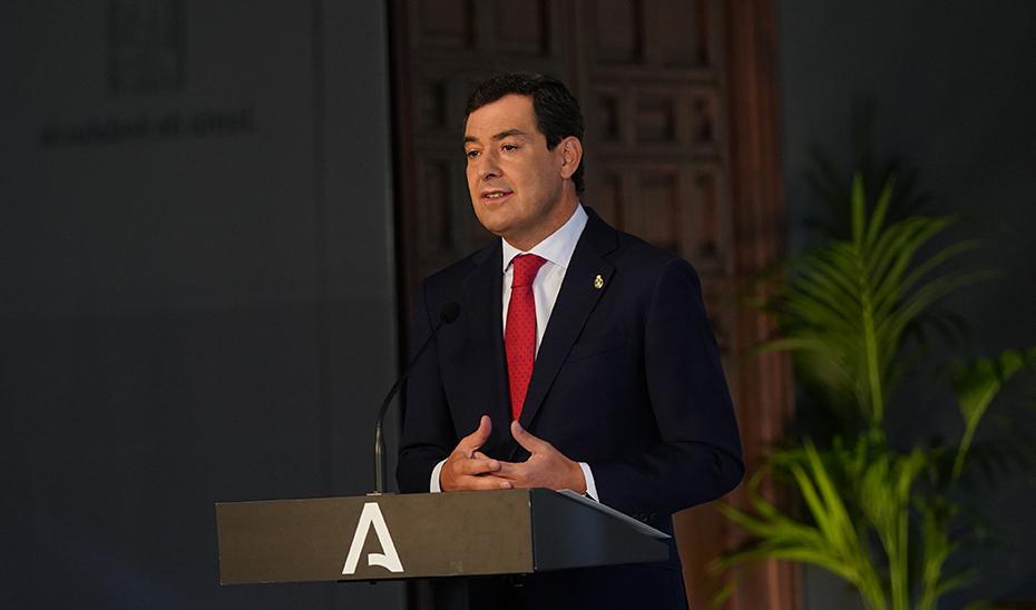 El presidente de la Junta informó tras el comité de expertos de las medidas del Gobierno para frenar el Covid-19 en Andalucía.