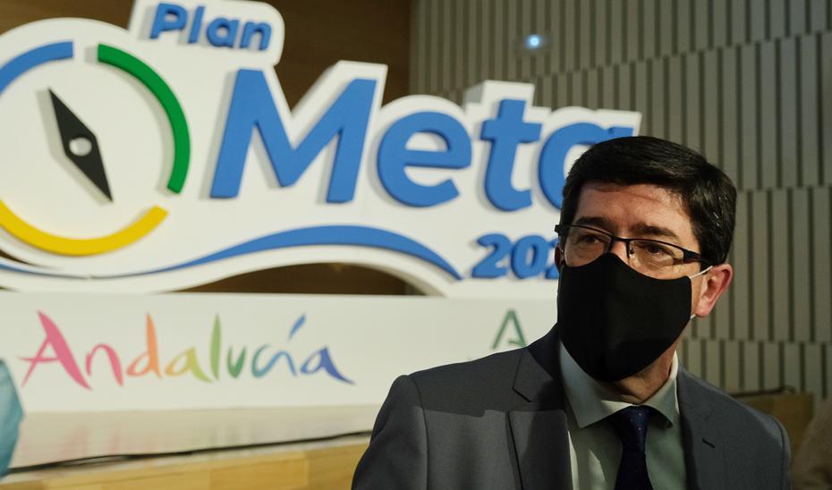 Juan Marín, en Córdoba, durante el encuentro con profesionales turísticos para conocer las líneas clave del Marco Estratégico de Turismo de Andalucía 2021-27.