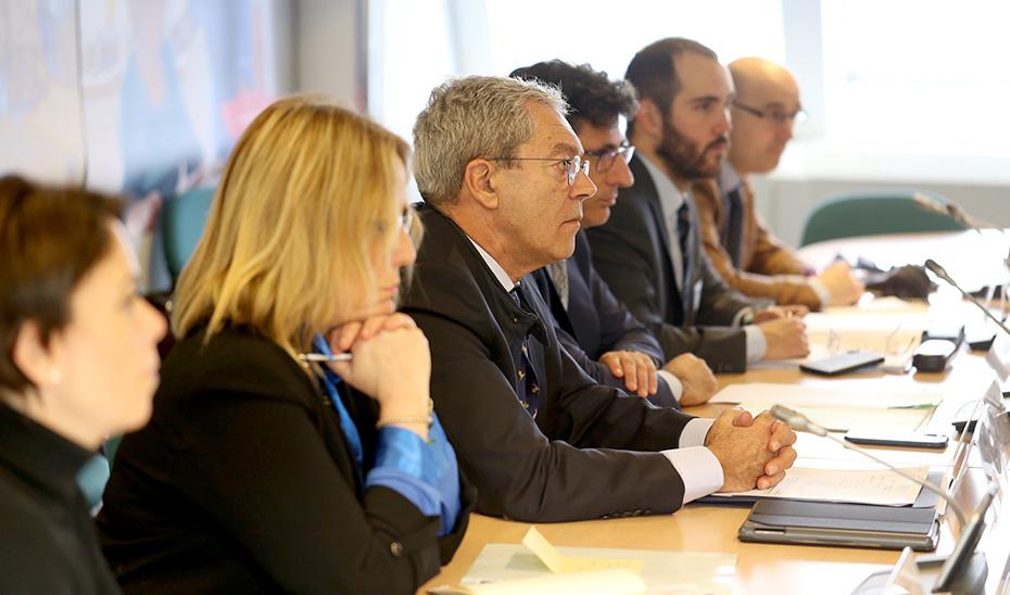 El consejero Rogelio Velasco, durante la reunión mantenida en Bruselas.