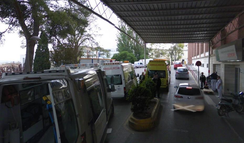 Entrada a Urgencias del hospital Médico Quirúrgico de Jaén.